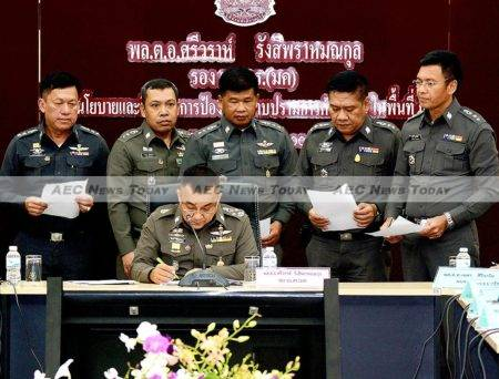 Some of the 122 Thailand police human trafficking investigators who attested verbally and in writing that they had not been threatened by influential people to stop their work