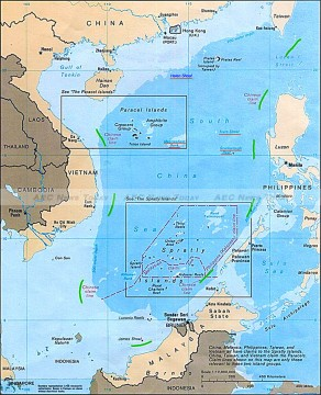 Map of the South China Sea, with China's claimed 9-dash line highlighted in green