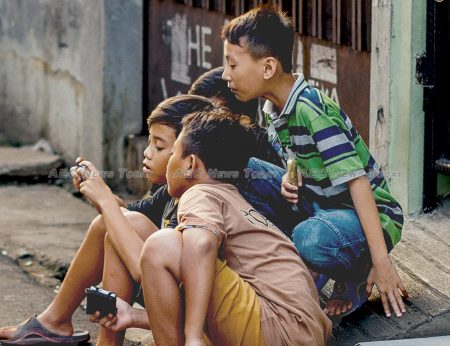 Millions of Indonesians use 'the internet' only for Facebook or Whatsapp on their mobile phones via 2G satellite technology