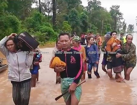 Residents of San Sai district, Attapeu province, Lao PDR are evacuated following a failure at the Xepian-Xe Nam Noy hydropower plant on Monday