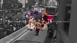 Jakarta mob beats hit-and-run bus lane interloper (video)