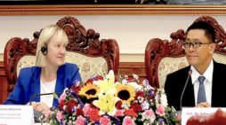 Private sector development essential for continued Lao economic growth