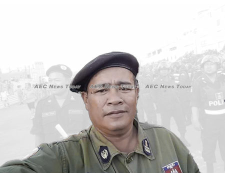 Lieutenant Colonel Ek Saron threatened to arrest the reporters before assaulting them