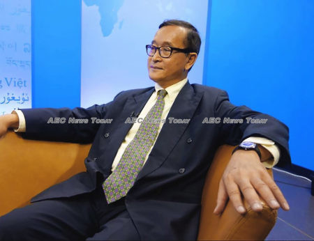 Self-styled 'acting president' of the dissolved CNRP in self-imposed exile, Sam Rainsy, has said he intends to return to Cambodia on November 9
