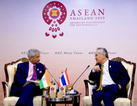 Thailand Minister of Foreign Affairs Don Pramudwinai (r) in August 2019 with India Minister of External Affairs Dr S. Jaishankar