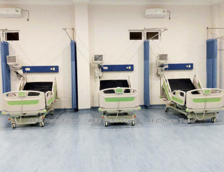 Public and private hospitals have about 300,000 beds