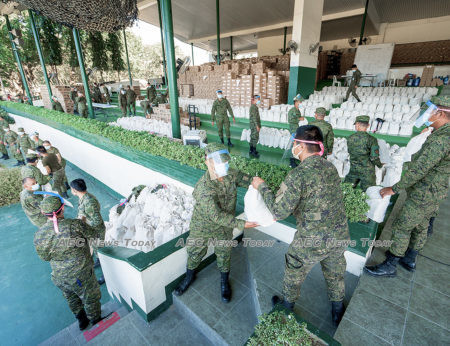 Philippine Army delivers thousands of food packs to target communities