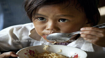 Feeding Cambodia's hungry children amid COVID-19 and saving the environment too ( video & gallery)